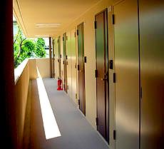 西陣病院、部屋前 NISHIJIN KITA RESIDENCE