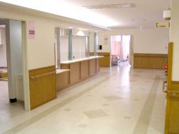 西陣病院、本館 病室前