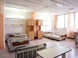 西陣病院、本館 病室(4床室)