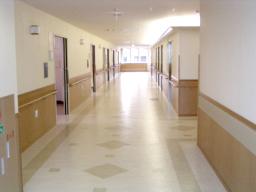 西陣病院、本館 廊下