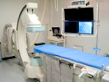 西陣病院、血管撮影装置(島津製作所製 Trinias CVS F12)